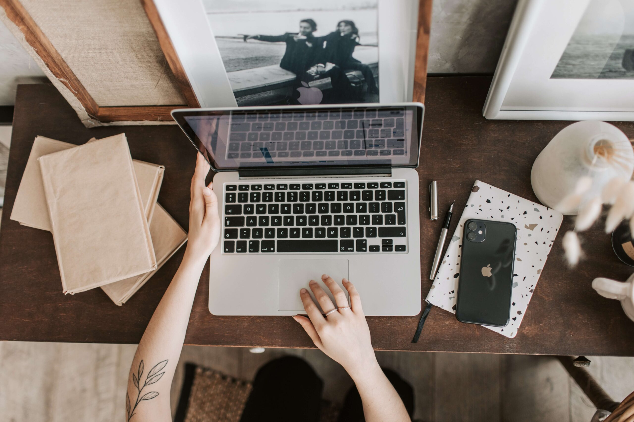 The Pros and Cons of Online Marriage Counseling